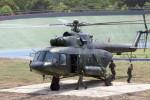 Helikopter MI 17 milik TNI AD mencoba landasan yang dibuat di dalam velodrom, Stadion Manahan, Solo. Jawa Tengah, Rabu(20/8/2014). Kehadiran helikopter tempur tersebut di tempat berlatih atau bertanding balap sepeda itu merupakan bagian dari persiapan The 38th CISM World Military Parachutting Championship 2014. Kejuaraan dunia terjun payung militer itu akan dilaksanakan di Kota Solo, 17-28 September 2014. (Sunaryo Haryo Bayu/JIBI/Solopos)