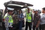 Jajaran Satlantas Polres Boyolali menemukan mobil yang mengangkut ratusan liter miras jenis ciu saat digelar Operasi Mantab Brata di Kecamatan Banyudono, Boyolali, Jumat (22/8/2014). (Septhia Ryanthie/JIBI/Solopos)