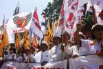 Ribuan warga beraksi di depan Gedung MK, Jakarta, Rabu (6/8/2014), demi mendukung Prabowo-Hatta. (Abdullah Azzam/JIBI/Bisnis)