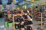Salah satu toko sepatu di kawasan Coyudan