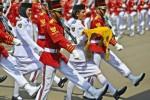 Tim Melati Paskibraka 2014 bertugas mengibarkan bendera Merah-Putih pada Upacara Peringatan Detik-Detik Proklamasi Kemerdekaan Indonesia ke-69 Tahun 2014 di Istana Merdeka, Jakarta, Minggu (17/8/2014). (JIBI/Solopos/Antara/Widodo S. Jusuf)