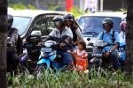 PERCOBAAN EKSPLOITASI ANAK : PN Semarang Hukum Ibu Atas Percobaan Ekspoitasi Anak