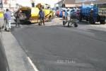 INFRASTRUKTUR SOLO : Pemeliharaan Jalan Kampung Dikebut