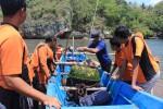 Buoy pengukur gelombang di perairan Pantai Baron, Kemadang, Tanjungsari dilepas pemasangannya, Selasa (16/9/2014). (JIBI/Harian Jogja/Kusnul Isti Qomah)