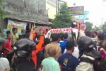 Jenazah pegawai Toko Aquarium yang tewas tersengat listrik dibawa ke RSUP Dr Sardjito untuk diotopsi. (JIBI/Harian Jogja/Ujang Hasanudin)