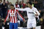 Ronaldo dan Falcoa saat masih berada di Atletico. Ronaldo nilai Falcao cocok untuk MU. Ist/insidespanishfootball.com