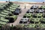 Sebagian tank Leopard dan Marder yang dipesan TNI dari Rheinmetall Defence telah sampai di Tanjung Priok, Jakarta, akhir pekan lalu. Kendaraan tempur terbaru dalam daftar alat utama sistem persenjataan (alutsista) TNI tersebut rencananya dipertontonkan di hadapan publik untuk kali pertama saat peringatan Hari TNI, 5 Oktober 2014 mendatang. (Dedi Gunawan/JIBI/Bisnis)