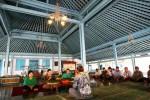 Keluarga Kasunanan Surakarta Hadiningrat yang dipimpin oleh G.K.R. Wandasari (kedua dari kiri) menghadiri wilujengan atau selamatan di Bangsal Smarakatha, Keraton Solo, Senin (1/9/2014). Wilujengan tersebut diadakan menjelang pemberangkatan kontingen Kasunanan Surakarta Hadiningrat ke Festival Keraton Nusantara (FKN) 2014 yang dilaksanakan di Kasultanan Bima. (Sunaryo Haryo Bayu/JIBI/Solopos)