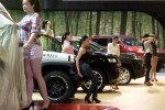 Sejumlah model melakukan gladi resik untuk acara pembukaan event tahunan otomotif Indonesia International Motor Show (IIMS) 2014 di Jakarta International Expo (JI Expo), Kemayoran, Jakarta, Rabu (17/9/2014). Pameran otomotif terbesar Indonesia itu akan digelar 18-28 September 2014. (Rachman/JIBI/Bisnis)