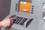 Ilustrasi menggunakan ATM (hackedgadgets.com)