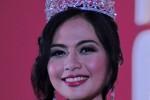 Febrizky, sales promotion girl dari booth Daihatsu, Sabtu (27/9/14) meraih gelar Miss Motor Show 2014 pada Indonesia Internasional Motor Show 2014. (Zabur Karuru/JIBI/Solopos/Antara)