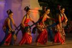 Delegasi dari Wonosobo membawakan tarian Sandi Kala dalam Gelar seni budaya Bakorwil II di halaman kantor Bakorwil II . Jl Slamet Riyadi, Gladak, Solo, Sabtu (13/9/2014). Acara tersebut menyajikan potensi kesenian di wilayah bakorwil II yang merupakan eks karesidenan Surakarta dan Kedu. (Sunaryo HB/JIBI/Solopos)