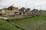 Aktivitas pembangunan perumahan di kawasan Desa Singopuran, Kecamatan Kartasura, Sukoharjo, Juni 2013. Para pengembang perumahan di kabupaten itu mengeluhkan maraknya pungli oleh pejabat publik. (Sunaryo Haryo Bayu/JIBI/Solopos)