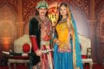 Rajat Tokas dan Parindhi Sharma di Jodha Akbar (Bollywoodlife.com)