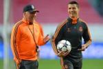 Calo Ancelotti dan Cristiano Ronaldo berbincang akrab saat latihan. Ist/dailystar.co.uk