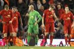 Para pemain Liverpool tertunduk lesu ketika kalah dalam sebuah pertandingan. Ist/dailymail.co.uk