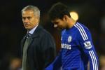 Jose Mourinho dan Diego Costa berbincang-bincang. Ist/goal.com