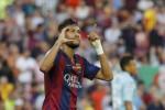 Pemain Barcelona Neymar merayakan hat-trick saat melawan Granada. JIBI/Rtr/Gustau Nacarino