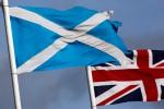 Bendera Skotlandia dan Inggris (Istimewa/The Guardian)