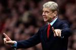 Pelatih Arsenal Arsen Wenger memberi instruksi kepada pemainnya. Ist/dailystar-uk.co.uk