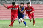 Dua pemain Persis Junior saat berlaga dalam Piala Suratin. JIBI/Solopos/Dok/ilusterasi