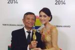 Citra Kirana Menunjukkan Penghargaan Drama FES 2014 (Instagram)