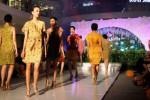 FOTO HARI BATIK NASIONAL : Batik Keris Pamerkan Koleksi Terbaru di Solo Baru