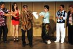Seniman kelompok komedi Srimulat (dari kiri ke kanan) Tarzan, Josephine, George Sapulete, Tessy, Marwoto dan Kadir tampil dalam pementasan bertajuk Sulap Antibiotik di Jakarta, Minggu (12/10/2014). Lakon Sulap Antibiotik yang dibawakan Srimulat itu mengisahkan tentang kisah cinta penuh konflik yang dikemas khas pertunjukan tradisional Srimulat seperti pada tempo dulu. (JIBI/Solopos/Antara/Teresia May)