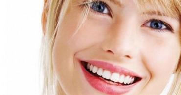 Ilustrasi tersenyum (Webdental)