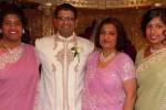 Jantindra (baju putih) membunuh istri dan dua anaknya (Daily Mail)