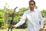 Presiden Joko Widodo (Jokowi) jumpa pers pertama di bawah pohon Ki Hujan, Kompleks Istana Kepresidenan Jakarta, Rabu (22/10/2014). (JIBI/Solopos/Antara/Andika Wahyu)