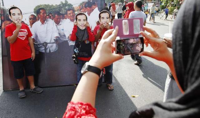 ... menyambut pelantikan pelantikan Joko Widodo dan Jusuf Kalla oleh