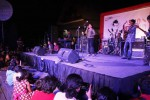 Penampilan grup band Kamajaya Kamaratih dalam konser musik Solo Bersyukur di halaman Pasar Ngarsopuro Solo, Senin (20/10/2014) malam. (Septian Ade Mahendra/JIBI/Solopos)