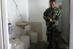 Salah seorang anggota Kodim 0730 usai melakukan tes urin di Markas Kodim, Senin (20/10/2014).  (David Kurniawan/JIBI/Harian Jogja)