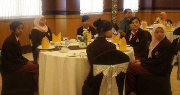 Table Manner Package Syariah Hotel Solo (Facebook)
