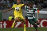 Pemain Chelsea Nemanja Matic (Ki) dan pemain Sporting Lisbon Nani berebut bola. JIBI/Rtr/Rafael Marc