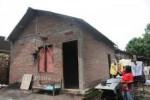 REHAB RUMAH : 10.000 Unit Rumah Tidak Layak Huni Direhab Selama 2014