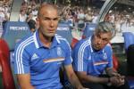 Real Madrid tak terima Zinedine Zidane dihukum akibat lisensi kepelatihannya bermasalah. Ist/Dok