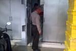 Anggota Polsek Semin tengah melakukan penyelidikan di Alfamart di Kecamatan Semin. (JIBI/Harian Jogja/Dok. Polsek Semin)