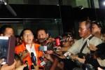 GEGER RUTAN KPK : Tahanan Kena Sanksi, Adnan Buyung Minta KPK Dibubarkan