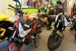 FOTO INFO DISKON _ Wah, Ada Cash Back Rp2 Juta dari Kawasaki Bajaj