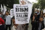 FOTO KENAIKAN HARGA BBM : HTI Khawatir Harga BBM Sengsarakan Rakyat