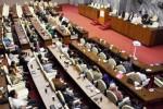 Para anggota Dewan Perwakilan Rakyat (DPR) dari fraksi-fraksi yang tergabung dalam Koalisi Indonesia Hebat (KIH) mengikuti Sidang Paripurna DPR tandingan di salah satu ruang rapat di Gedung Parlemen, Senayan, Jakarta, Selasa (4/11/2014). (Dedi Gunawan/JIBI/Bisnis)