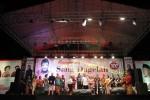 `Pelawak dan seniman beraksi di depan penonton acara Mengenang 100 Hari Sang Dagelan Mamiek Prakoso di Taman Balekambang Solo, Senin (10/11/2014) malam. Acara peringatan 100 hari tersebut dihadiri puluhan pelawak dan seniman yang datang dari Jakarta, Surabaya, Bandung, Jogja, dan Solo. (Septian Ade Mahendra/JIBI/Solopos)