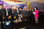 Ketua Umum Perhimpunan Hotel dan Restoran Indonesia (PHRI) S.B. Wiryanti Sukamdani (kanan) melantik pengurus PHRI Sulawesi Selatan masa bakti 2014-2019 di Makassar, Jumat (28/11/2014). Pelantikan itu digelar setelah Anggiat Sinaga terpilih kembali untuk kali kedua menakhodai PHRI Sulsel. (Paulus Tandi Bone/JIBI/Bisnis)
