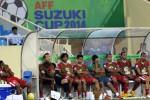 Pesepak bola Tim Nasional (Timnas) Indonesia tak mampu menutupi ekspresi kesedihan setelah dikalahkan oleh Filipina pada pertandingan penyisihan Grup A Piala Asean Football Federation (AFF) 2014 di Stadion My Dinh, Hanoi, Vietnam, Selasa (25/11/2014). Indonesia kalah dalam laga itu dengan skor 0-4. (JIBI/Solopos/Antara/Prasetyo Utomo)