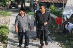 Ketua DPRD Sragen Bambang Samekto (kanan) bersama anggota Komisi IV DPRD Sragen, Fathurrohman (kiri), menyusuri jalan menanjak menuju makam Pangeran Samudro di objek wisata ziarah Gunung Kemukus saat melakukan inspeksi mendadak (sidak), Rabu (26/11/2014) sore. (Kurniawan/JIBI/Solopos)