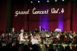 Marcell Siahaan menyayi diiringi Gadjah Mada Chamber Orchestra (GMCO) UGM dalam pentas grand konser orkestra 'Fenomenal Hits' di Grha Sabha Pramana UGM, Jumat (31/10/2014) malam. (Nina Atmasari/JIBI/Harian Jogja)