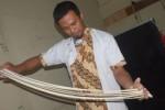 Pembuatan mi tarik di Kedai Mie Tarik Mas Doel (Farid Syafrodhi/JIBI/Solopos)