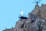 Penampakan Sosok Putih di Kastil Saint Hilarion (dailymailc.o.uk).jpg